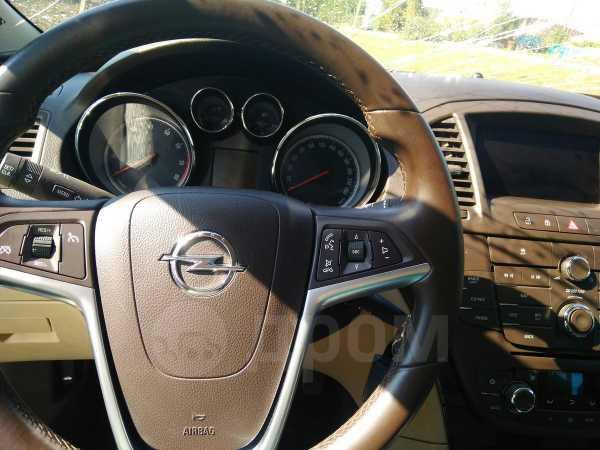 Opel Insignia, 2011 год, 360 000 руб.