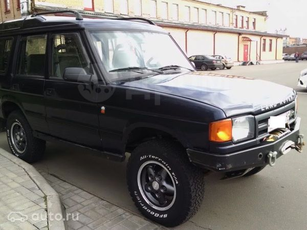 Land Rover Discovery, 1997 год, 315 000 руб.