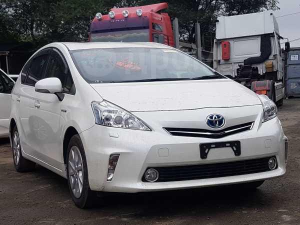 Toyota Prius a, 2014 год, 965 000 руб.
