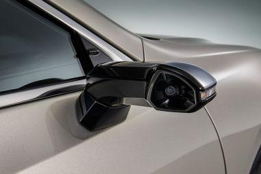 Lexus первым в мире выпустил серийный автомобиль с камерами вместо боковых зеркал