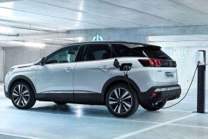 Новые гибридные силовые установки Peugeot: 300 л.с. и полный привод