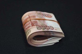 Он пообещал оплатить запчасти после их получения в Москве, но своего обещания так и не выполнил.