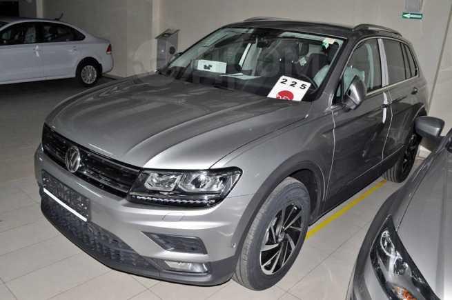 Volkswagen Tiguan, 2018 год, 2 188 560 руб.