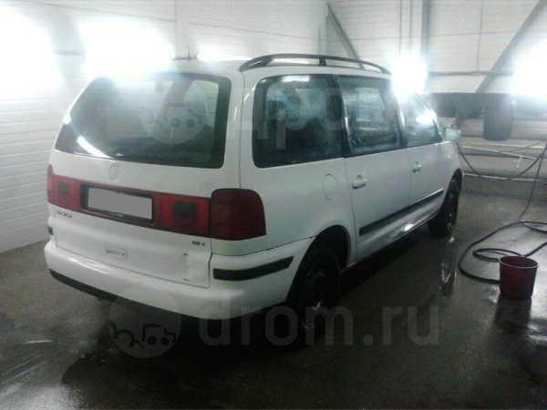 Volkswagen Sharan, 2000 год, 270 000 руб.