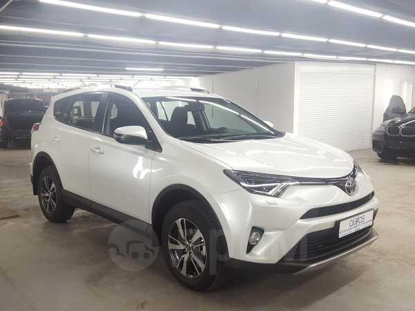Toyota RAV4, 2018 год, 1 931 000 руб.