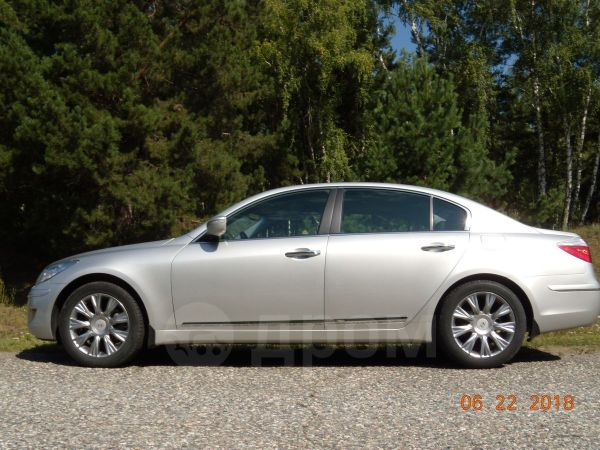 Hyundai Genesis, 2010 год, 915 000 руб.
