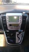 Toyota Alphard, 2004 год, 620 000 руб.