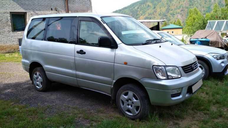 Toyota Town Ace Noah, 2001 год, 450 000 руб.