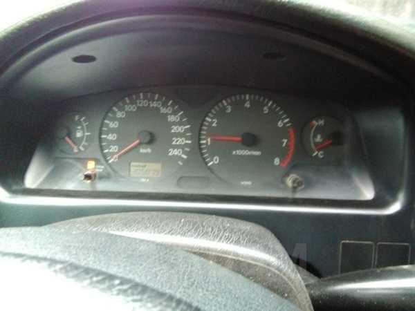 Toyota Avensis, 2001 год, 250 000 руб.