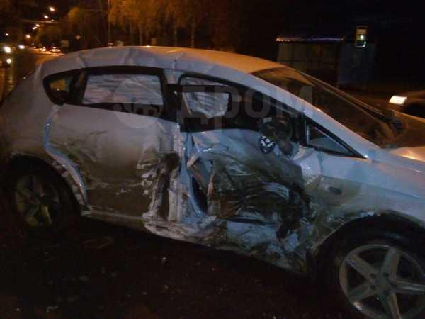 SEAT Leon, 2012 год, 180 000 руб.