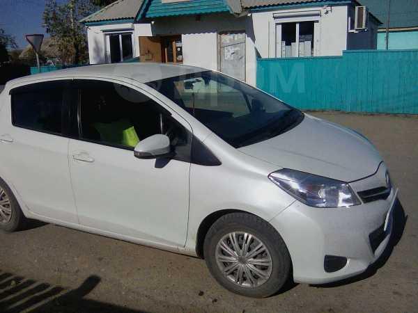 Toyota Vitz, 2011 год, 405 000 руб.
