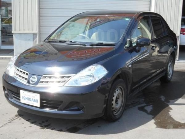 Nissan Tiida Latio, 2004 год, 170 000 руб.