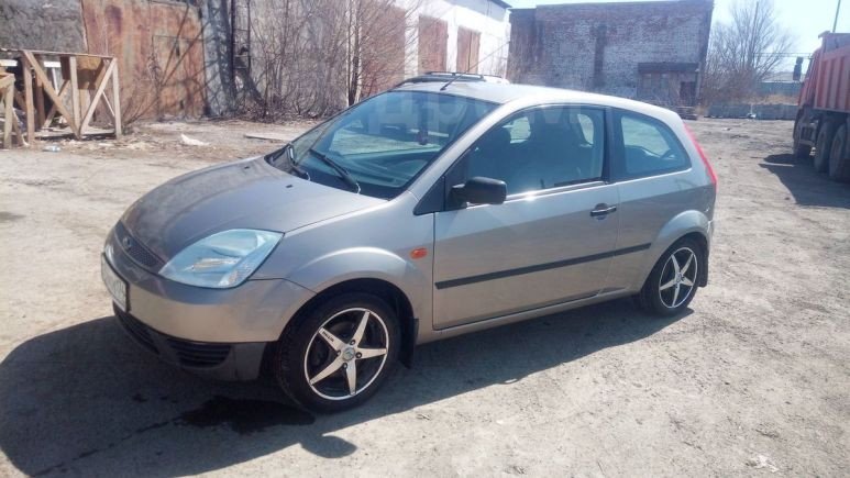 Ford Fiesta, 2004 год, 157 000 руб.