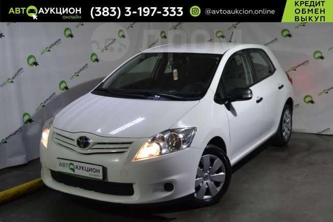 Toyota Auris, 2011 год, 595 000 руб.