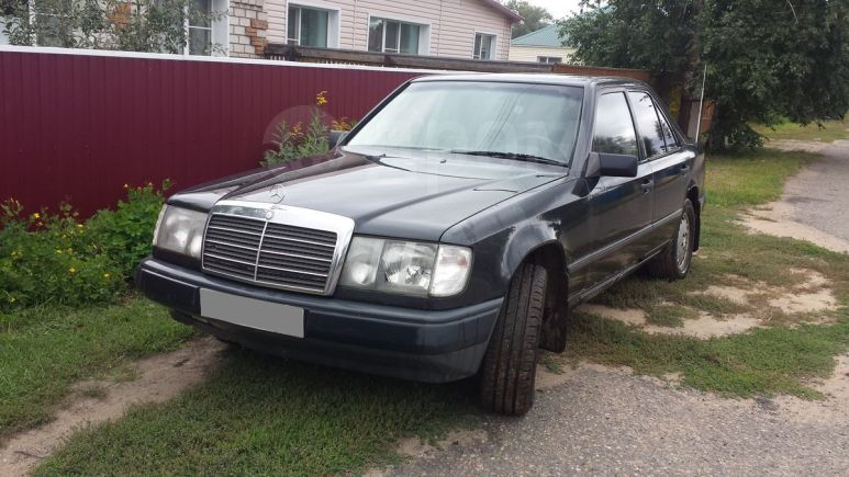 Mercedes-Benz E-Class, 1988 год, 240 000 руб.