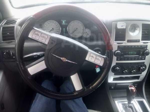 Chrysler 300C, 2006 год, 535 000 руб.