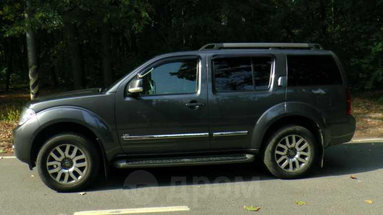 Nissan Pathfinder, 2010 год, 1 500 000 руб.
