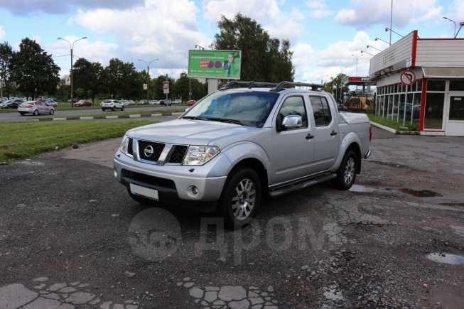 Nissan Navara, 2013 год, 999 999 руб.