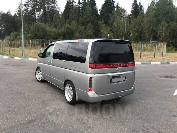 Nissan Elgrand, 2003 год, 670 000 руб.