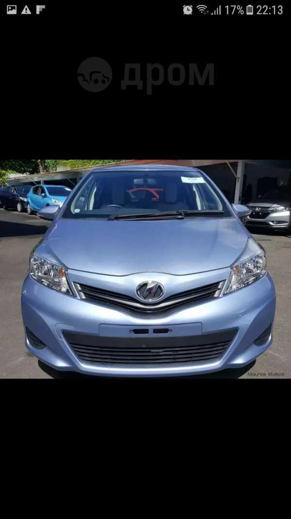 Toyota Vitz, 2013 год, 530 000 руб.