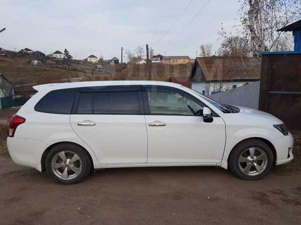 Toyota Corolla Fielder, 2014 год, 740 000 руб.
