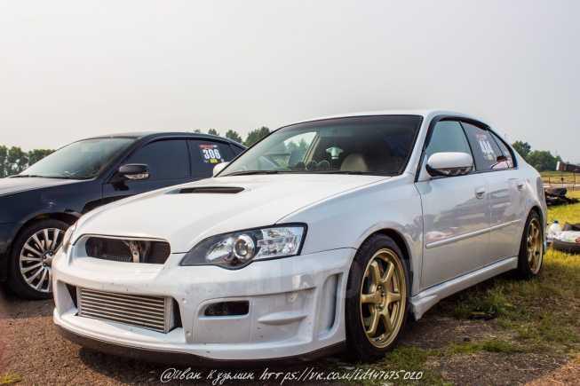 Subaru Legacy, 2003 год, 500 000 руб.