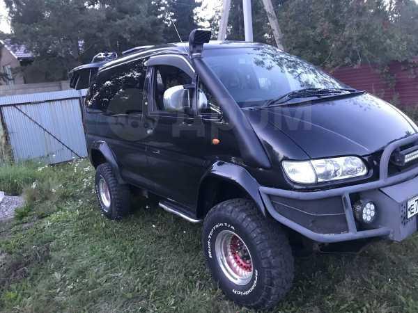 Mitsubishi Delica, 2004 год, 1 200 000 руб.