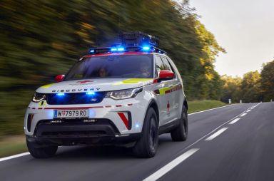 Land Rover разработал для Красного Креста Discovery с дроном