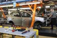 Нынешние мощности российских автозаводов позволяют выпускать в сумме 3 млн машин в год, но загружены они меньше, чем на 50%.