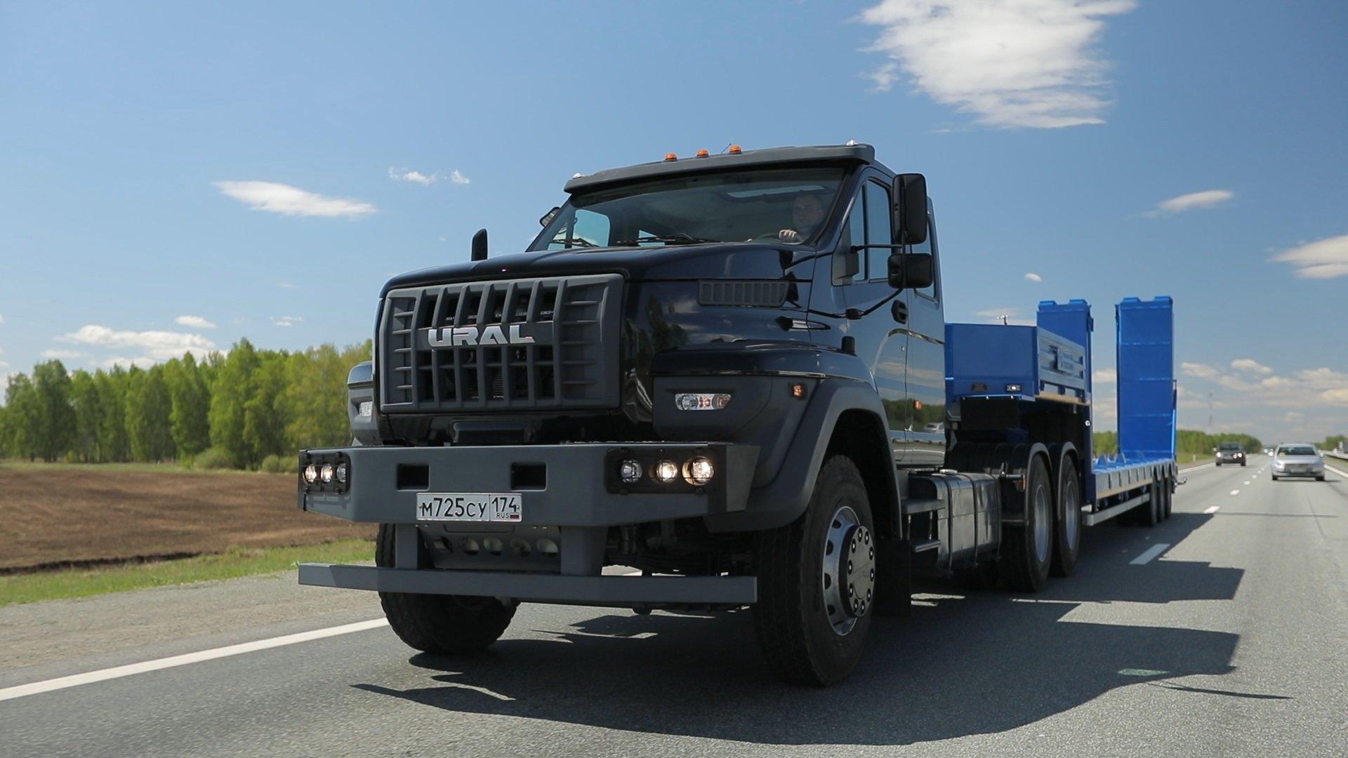 У «Урала Next» появились дорожные версии с колесной формулой 6x4