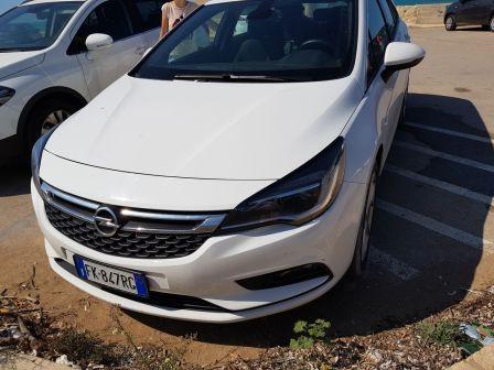 Opel Astra 2015 - отзыв владельца