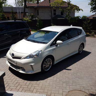 Toyota Prius v 2014 отзыв автора | Дата публикации 05.10.2018.