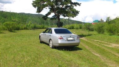 Nissan Gloria, 1999