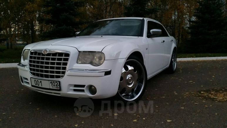 Chrysler 300C, 2005 год, 525 000 руб.