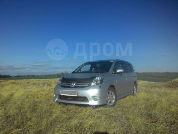 Toyota Isis, 2012 год, 780 000 руб.