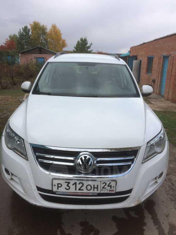 Volkswagen Tiguan, 2010 год, 495 000 руб.
