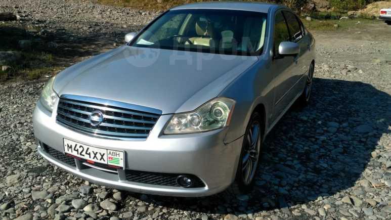Nissan Fuga, 2004 год, 290 000 руб.