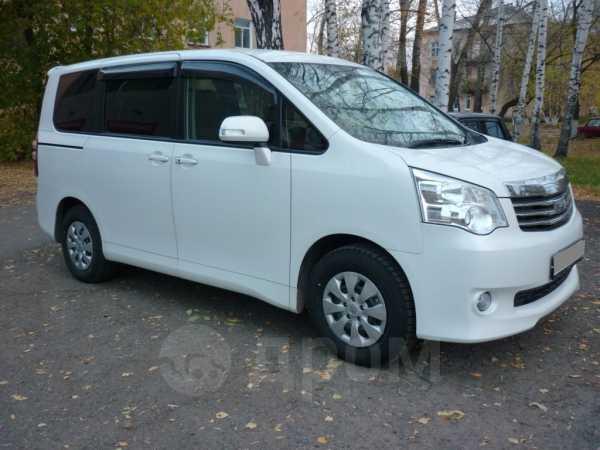 Toyota Noah, 2013 год, 1 165 000 руб.
