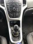 Opel Astra GTC, 2013 год, 300 000 руб.