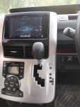 Toyota Voxy, 2010 год, 845 000 руб.
