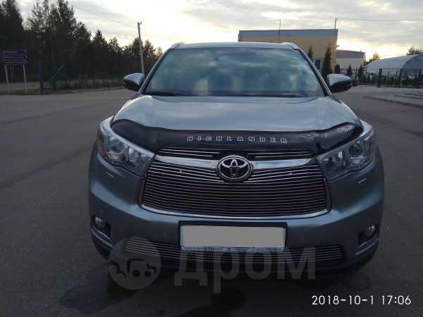 Toyota Highlander, 2014 год, 2 350 000 руб.