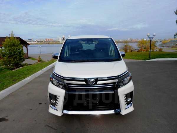 Toyota Voxy, 2017 год, 1 625 000 руб.