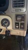Toyota Grand Hiace, 2003 год, 700 000 руб.