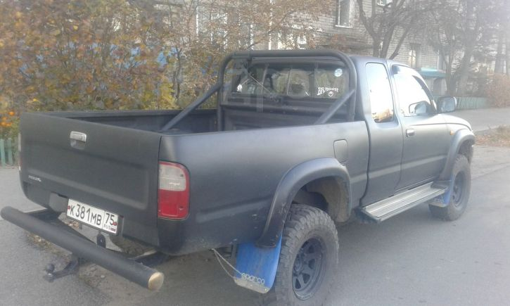 Toyota Hilux Pick Up, 1997 год, 650 000 руб.