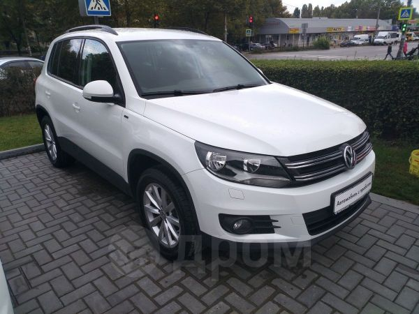 Volkswagen Tiguan, 2016 год, 979 000 руб.