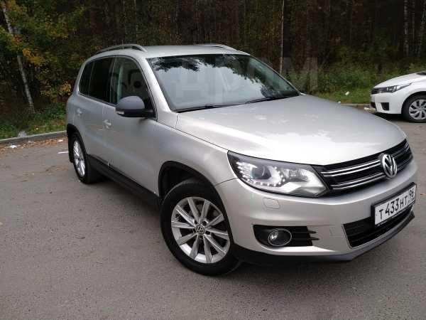 Volkswagen Tiguan, 2011 год, 799 000 руб.