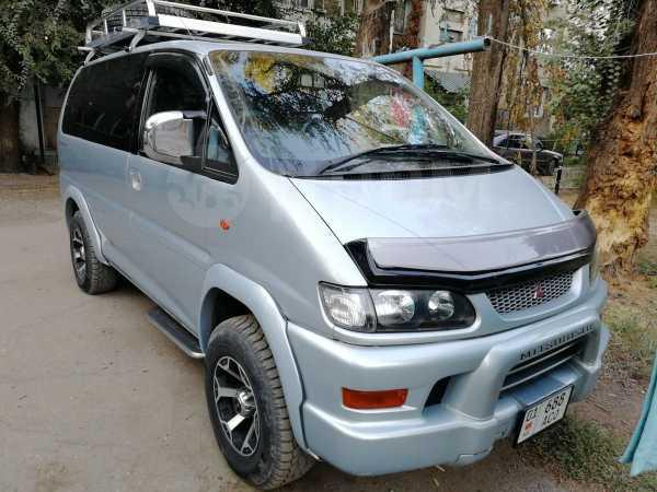 Mitsubishi Delica, 2003 год, 640 000 руб.