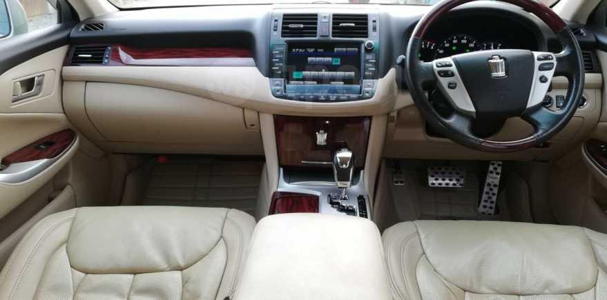 Toyota Crown, 2010 год, 1 100 000 руб.