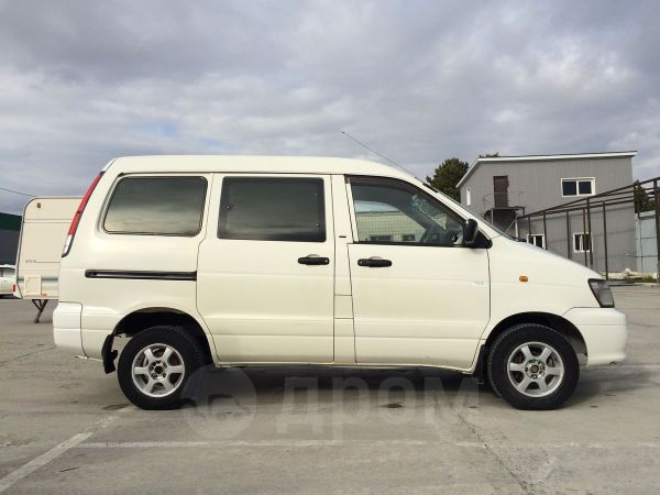 Toyota Town Ace, 2002 год, 270 000 руб.