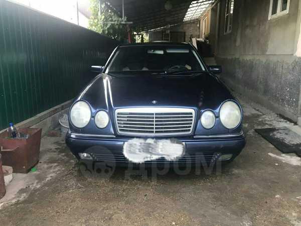 Mercedes-Benz E-Class, 1998 год, 300 000 руб.